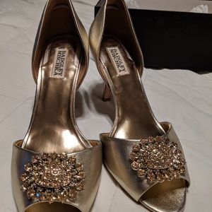 Badgley Mischka lacie gold dress shoes